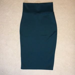 Blue fitted skirt.